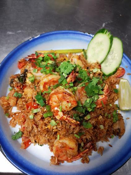 Tom Yum Fried Rice with Shrimps (ข้าวผัดต้มยำกุ้ง)